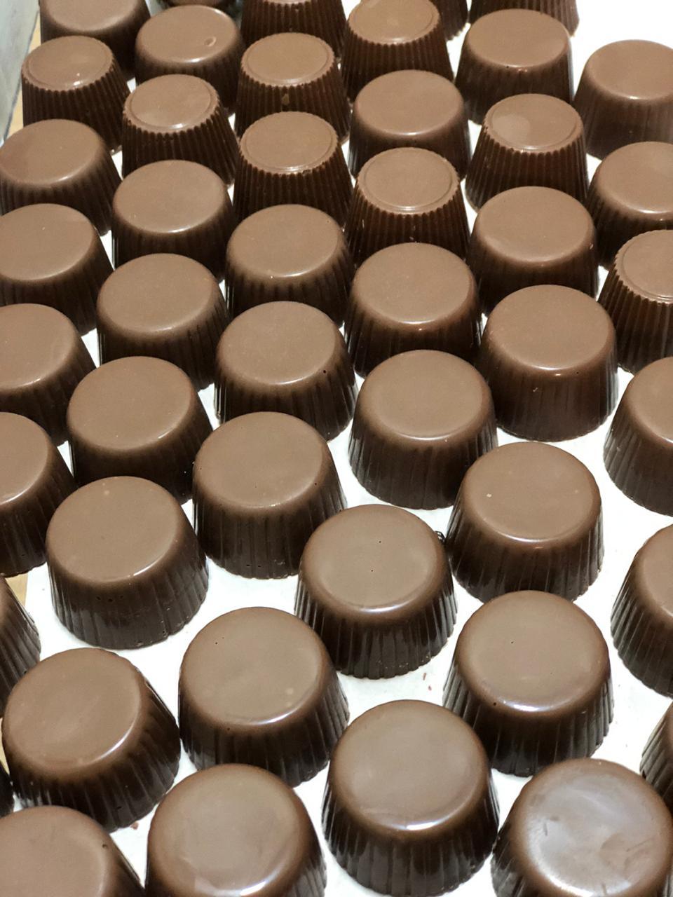 Bombom de chocolate 45% de cacau ao leite (tipo alpino) 100g