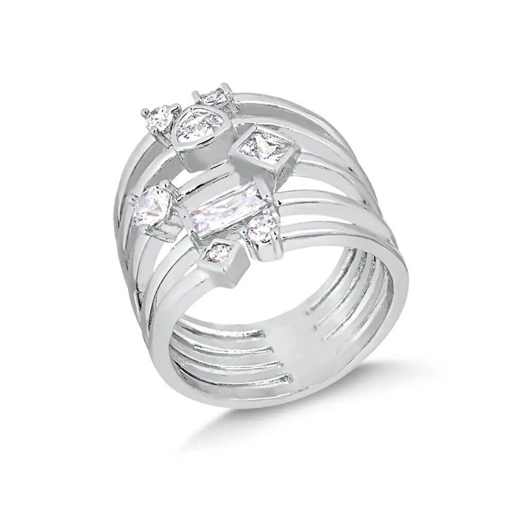 Anel largo com oito cristais de pedra natural folheado em ródio branco