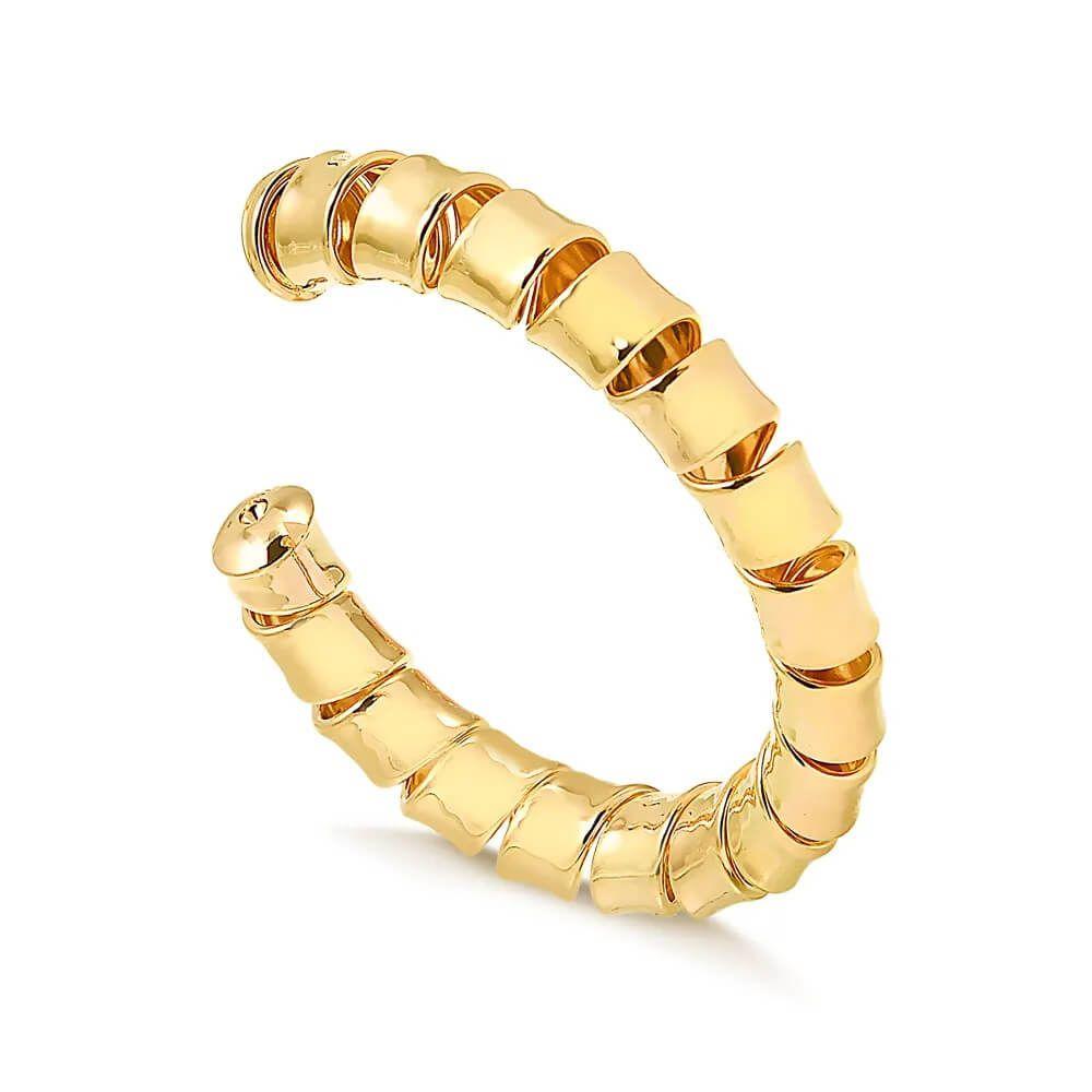 Bracelete maxi regulável com design torcido folheado em ouro 18k
