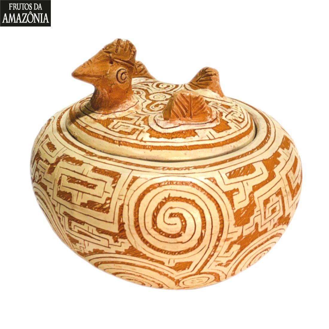 Galinha de cerâmica marajoara com bombons 210g