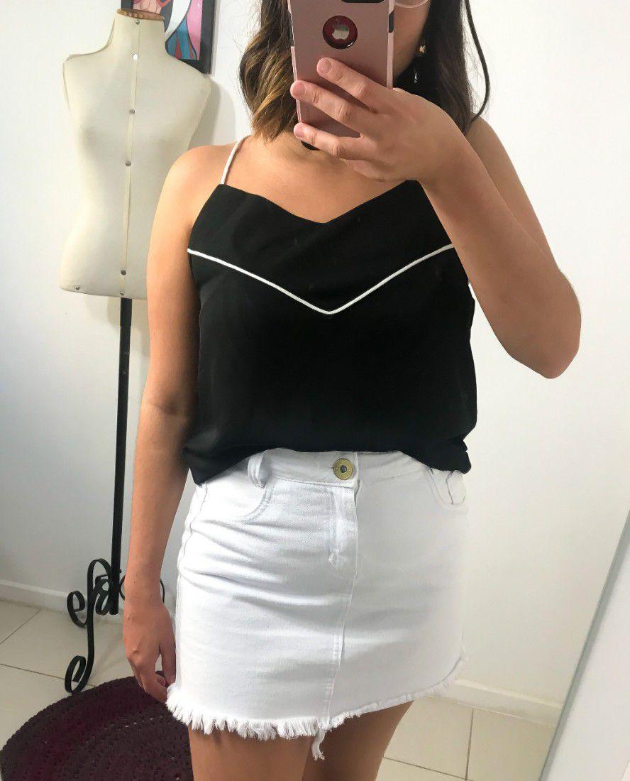 Blusa preta e branca