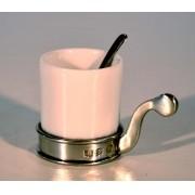 Xícara de porcelana branca com alça em estanho (P640)
