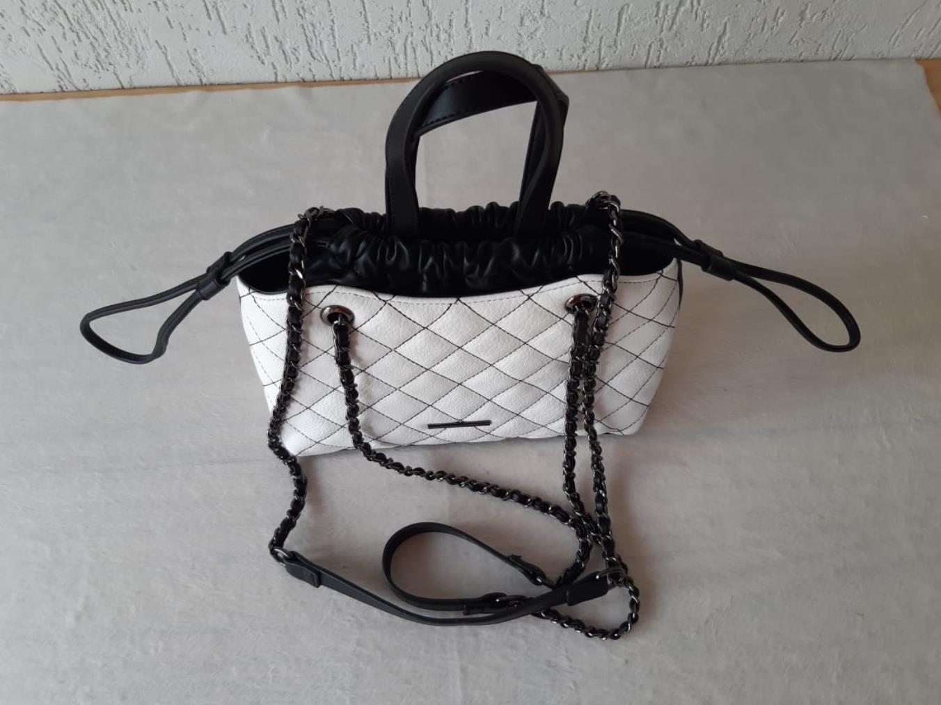 Bolsa com alça transversal