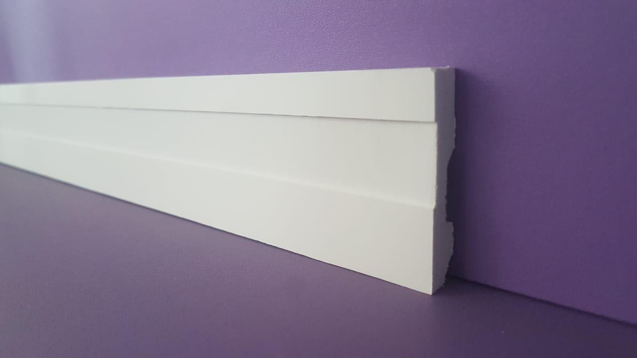Rodapé de Poliestireno Frisado - Branco - 5cm de altura  (5x1x240cm)