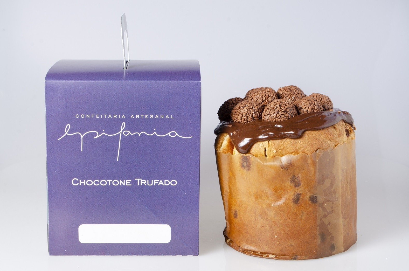 CHOCOTONE RECHEADO BRIGADEIRO