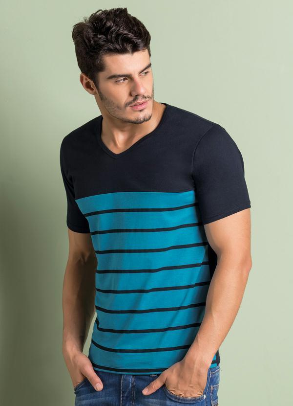 Camiseta com Listras Frontais