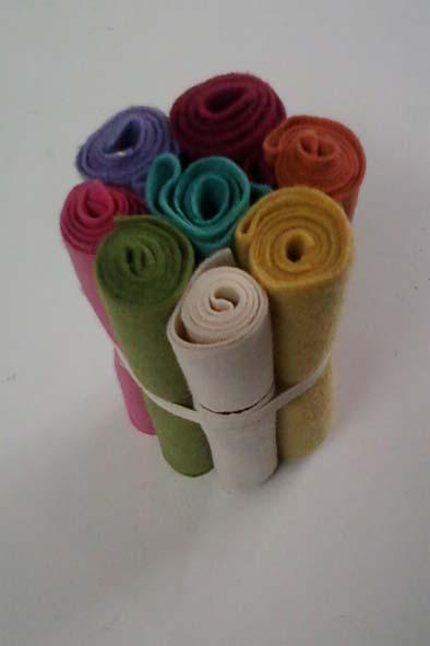 Kit de feltro happy pequeno  - Tecidos Digitais