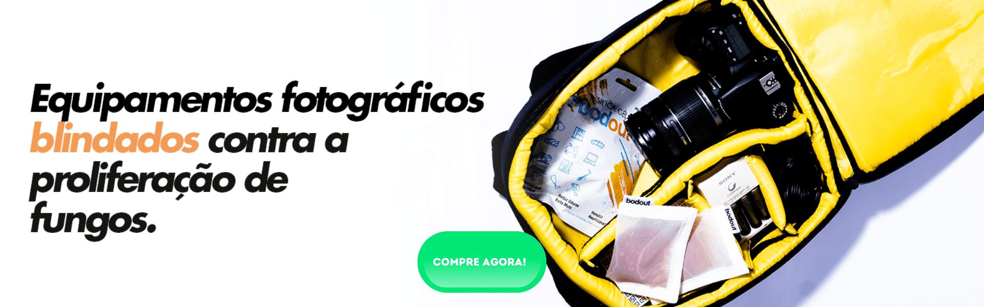 sachês de silica gel bodout dentro de uma bolsa  case de fotografia