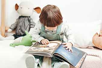 5 maneiras simples e divertidas de ajudar seu filho nas fases da Alfabetização