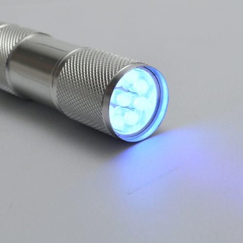 Detector_de_Dinheiro_Falso_Escorpião_9_LEDs_UV_Kit_5_Peças_Prata_CBRN11865_02_500
