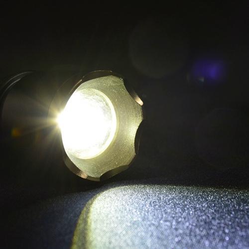 Lanterna_Tática_Policial_LED_Recarregável_Zoom_CBRN14583_02_500