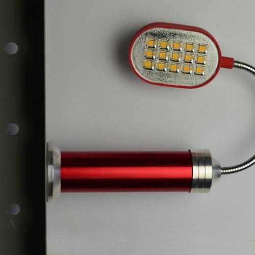Lanterna_de_LED_Flexível_com_Imã_Vermelho_CBRN16389_02_500