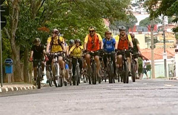 Resultado de imagem para pedalando em grupo no interior