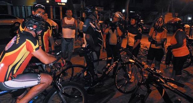 Resultado de imagem para reunião do grupo de ciclistas antes de sair