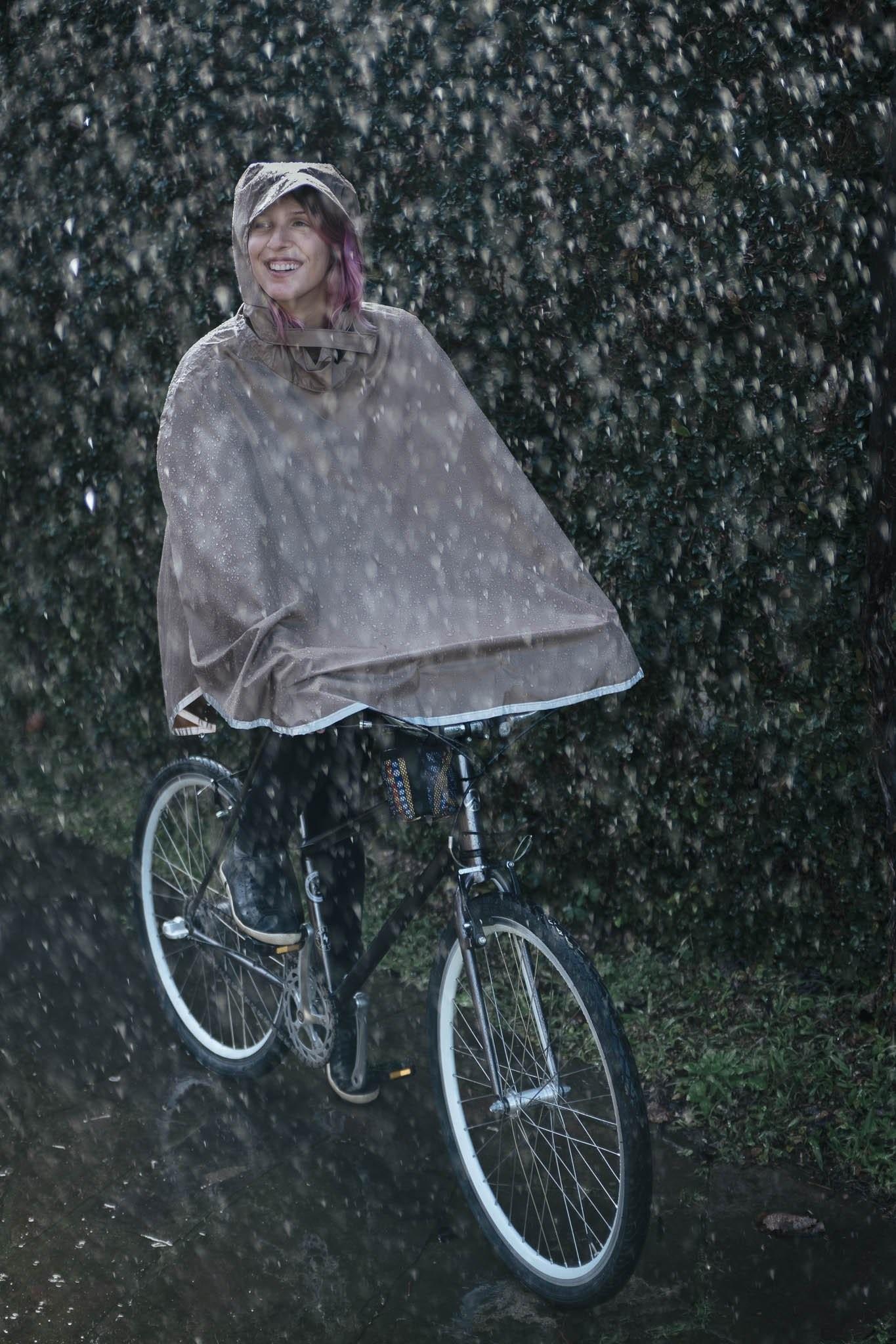 Resultado de imagem para capa de chuva para bike