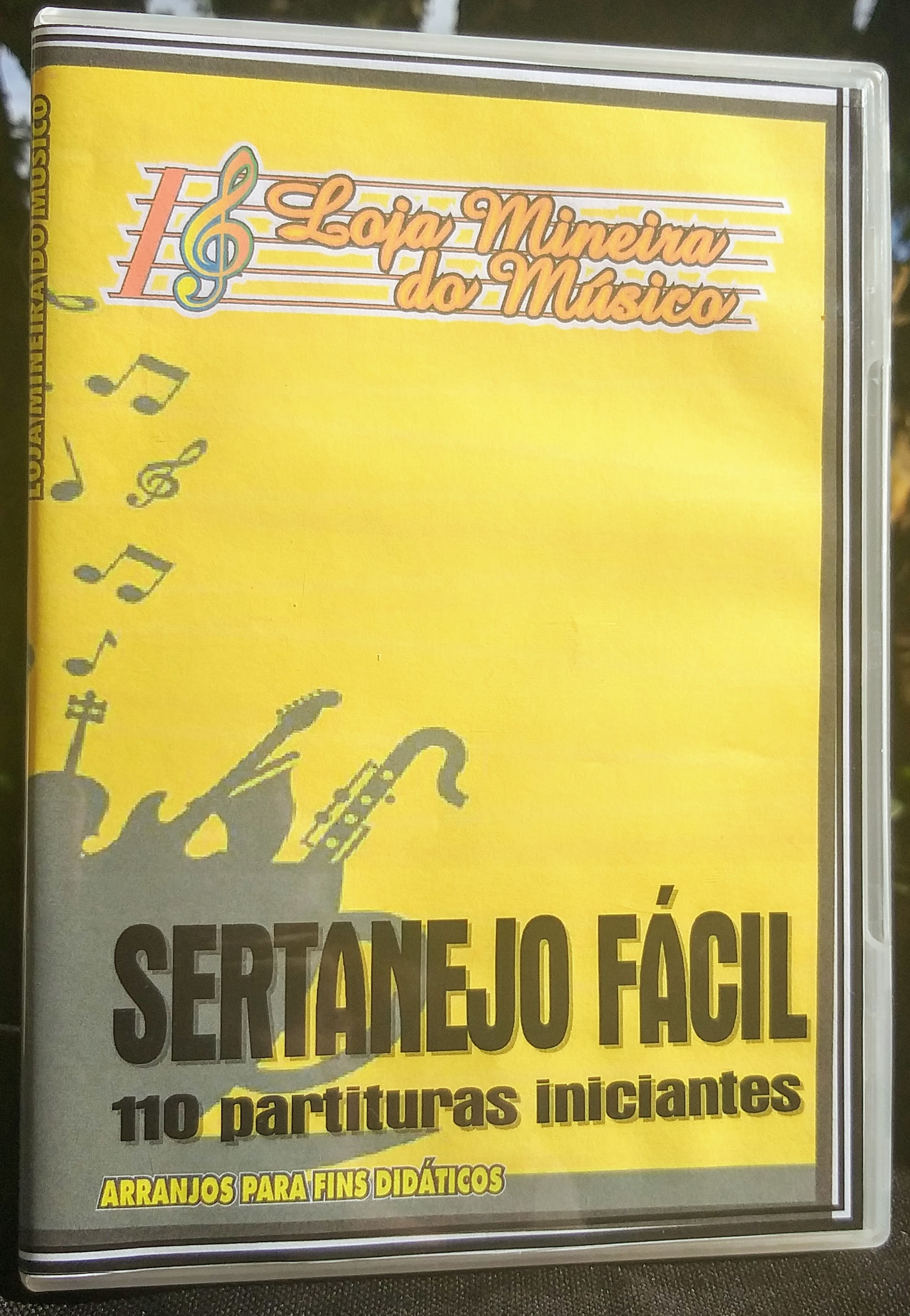 Cento e dez partituras para Teclado, verdadeiros clássicos da música Sertaneja e Forró facil de tocar