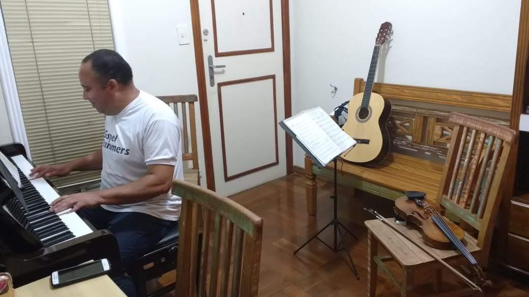 escola de musica em jf luciane borges professora de musica telefone 32238063