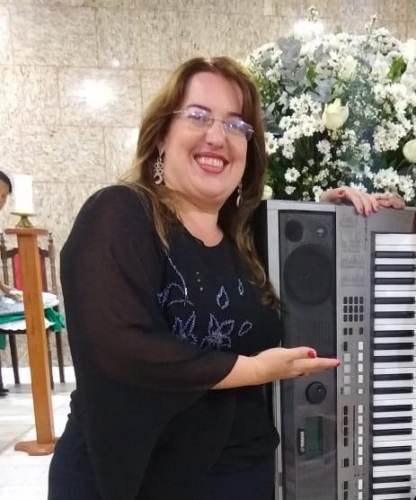 Luciane Borges Teclado para Casamento em JF Casamento Orçamento empresa de musicos para casamento