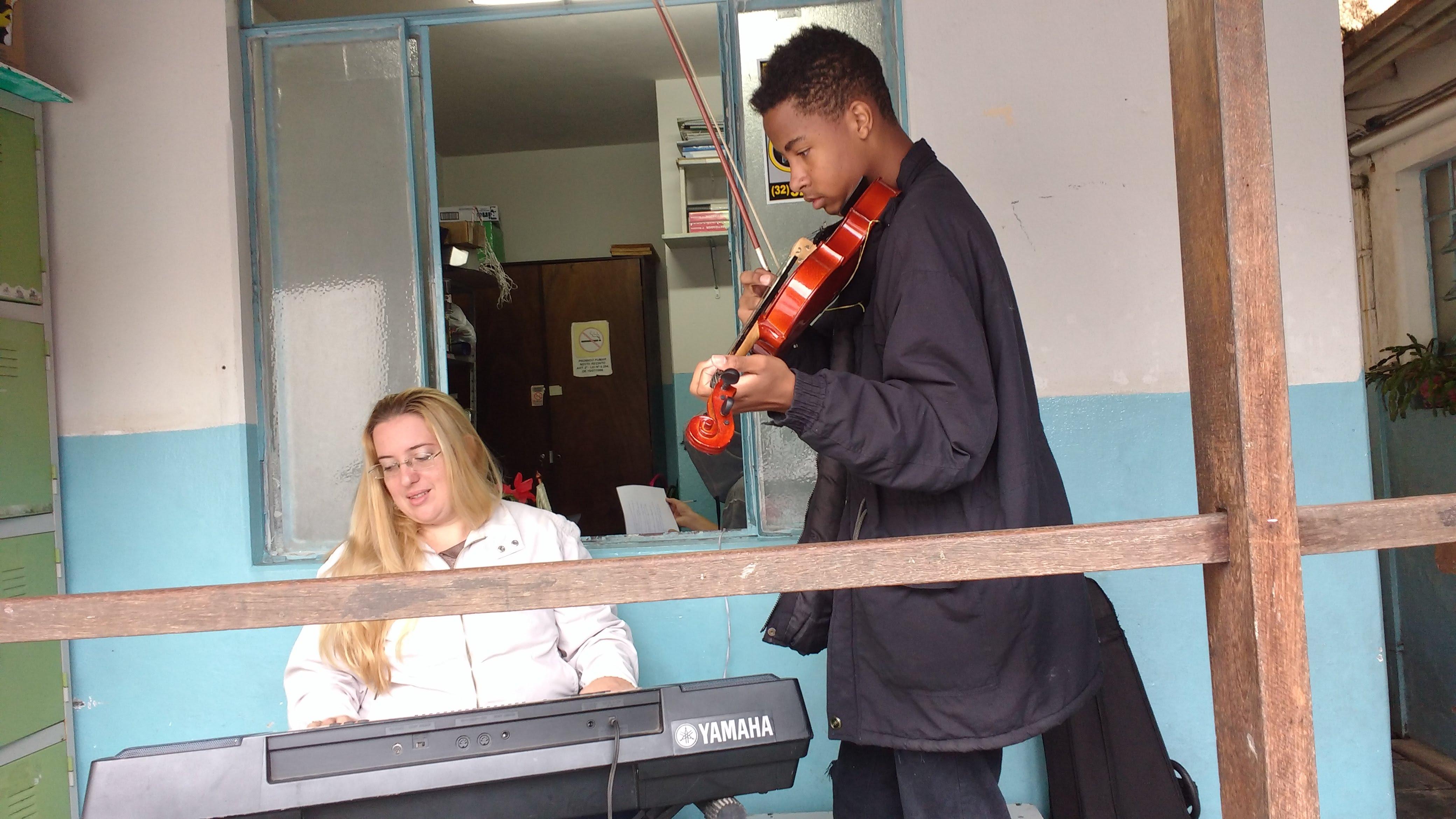 aulas de musica para iniciantes luciane borges telefone 3232238063