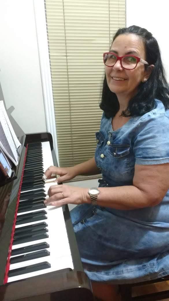 professor particular de teclado em juiz de fora telefone luciane borges 32988559211