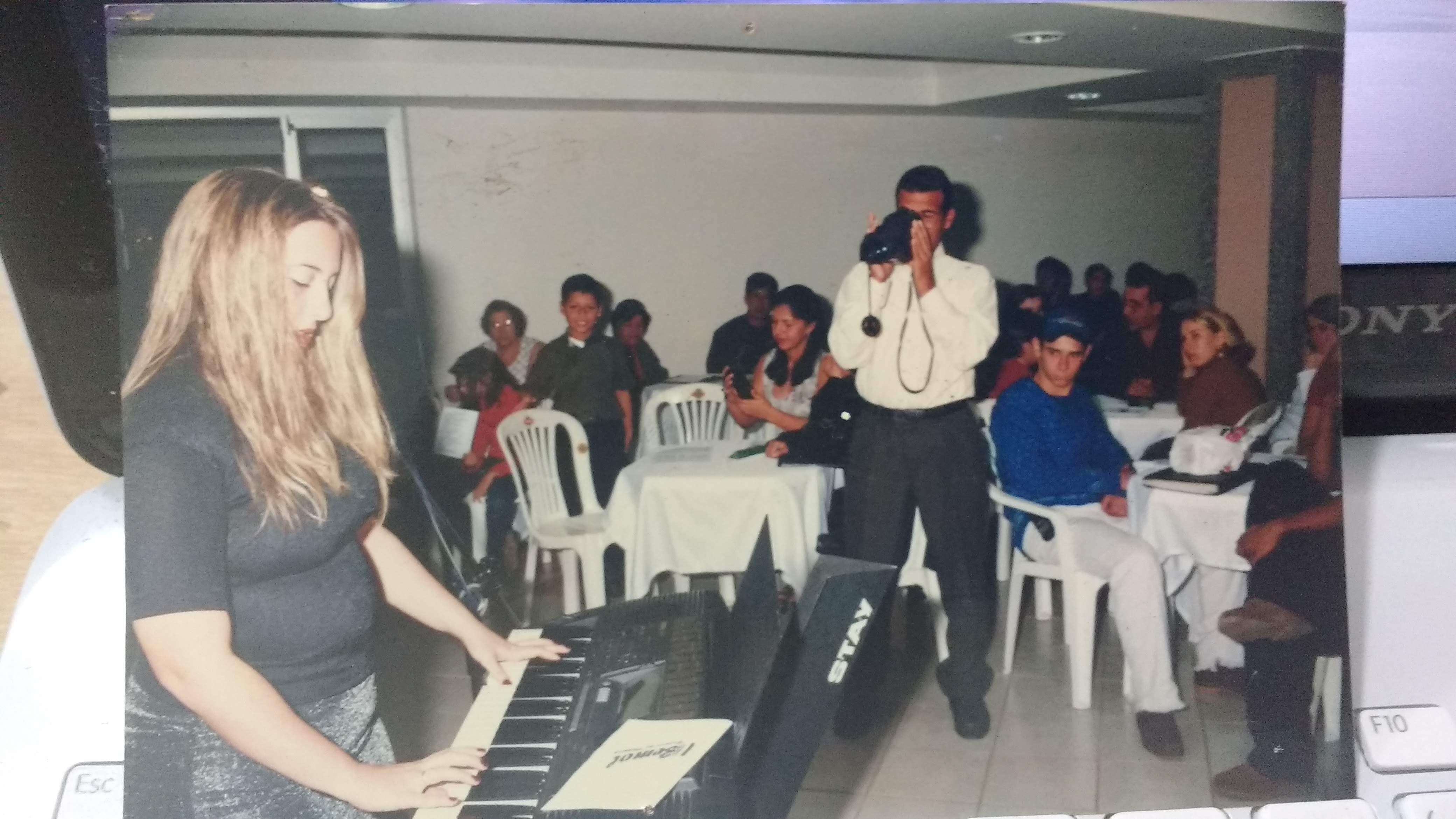 aula de teclado em juiz de fora, aula de musica em juiz de fora, aprender teclado, aprender piano, piano professor em jf, aprender a tocar piano, aprender a tocar teclado, @lucianetecladista,  professora de teclado, professora de piano, professor de musica em juiz de fora, professora de musica em juiz de fora,   professora de teclado curso de teclado professora Luciane Borges @lucianetecladista #escolademusicabemol