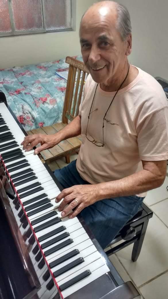 aprender teclado adulto professora de teclado para melhor idade em juiz de fora curso de teclado em juiz de fora professora Luciane Borges @lucianetecladista