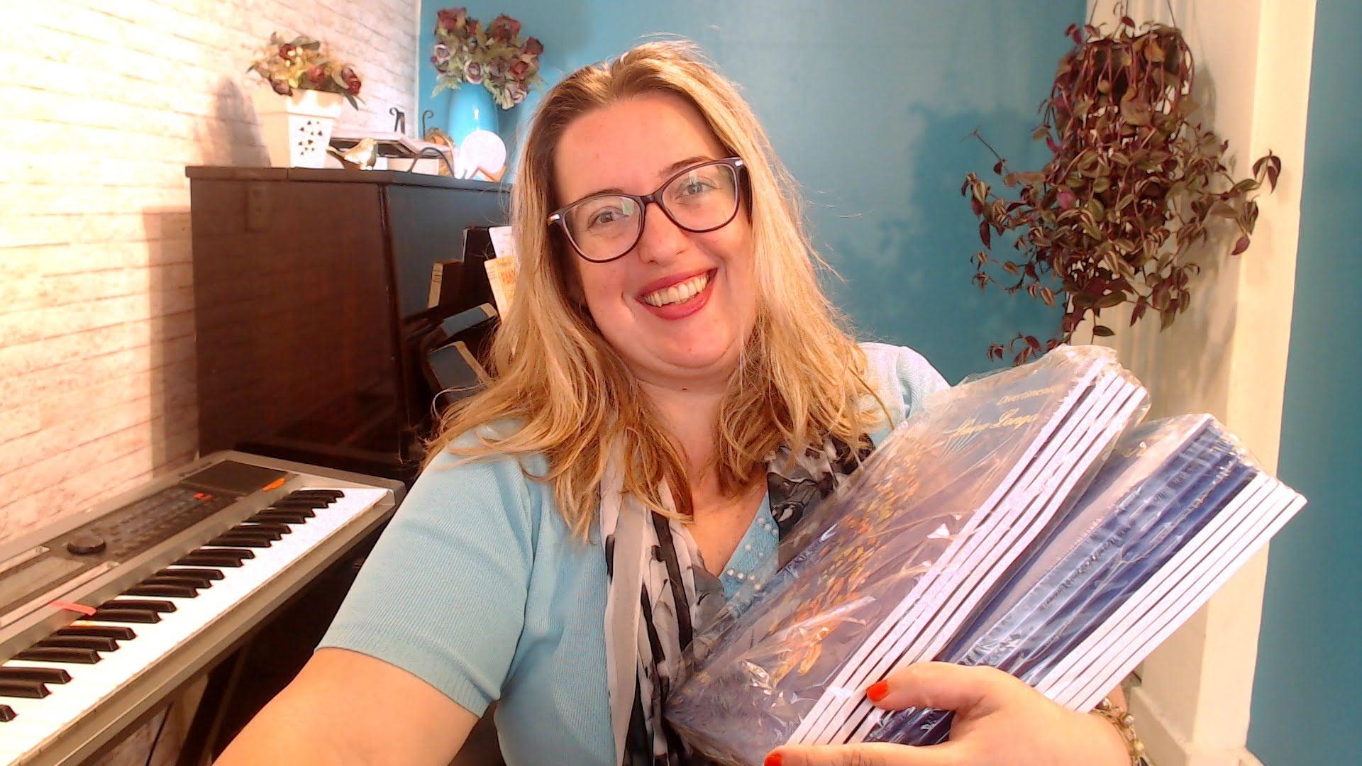 Comprar Divertimentos para Piano Livro de Laura Longo Disponivel na Loja Mineira do Musico