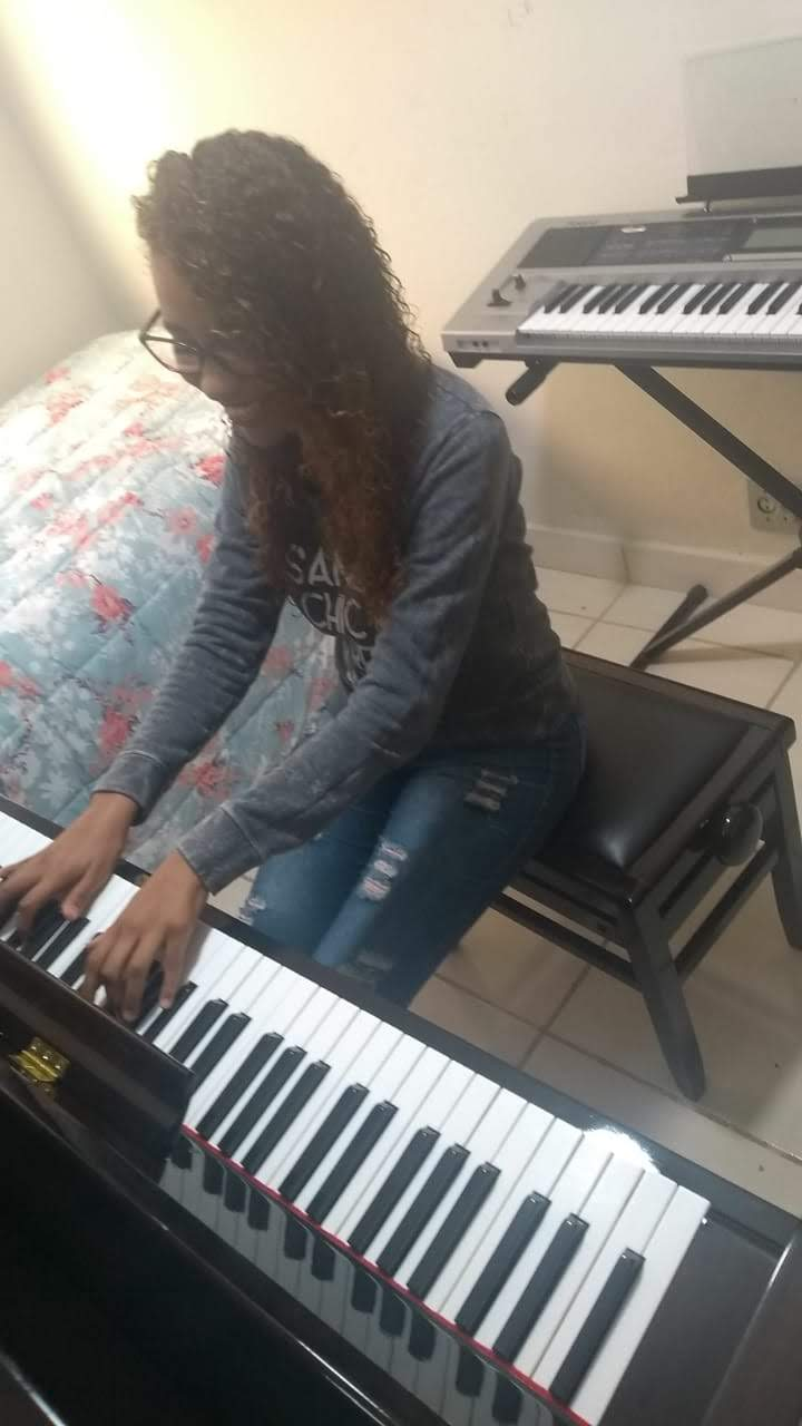professora de teclado para melhor idade em juiz de fora curso de teclado em juiz de fora professora Luciane Borges @lucianetecladista
