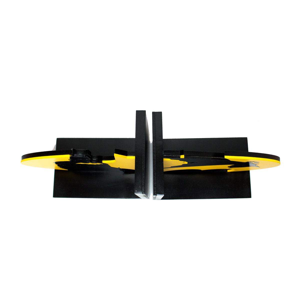 Aparador de Livros Batman Busto e Em Ação e Logo Amarelo