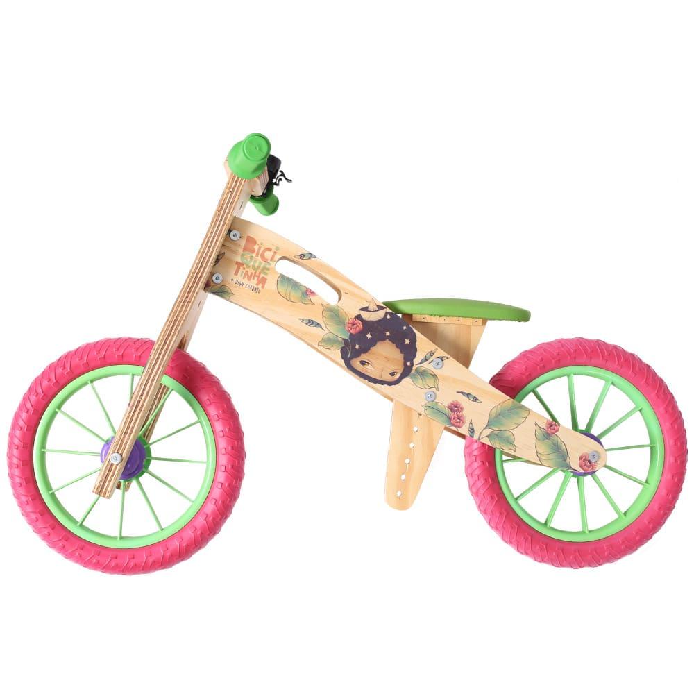 Bicicleta de madeira sem pedal