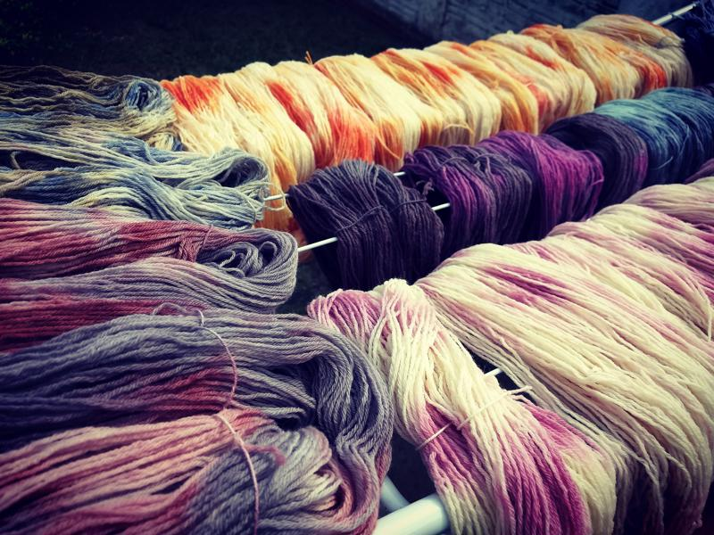 Fios multicoloridos