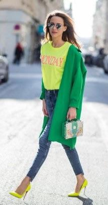 Reprodução Pinterest com Looks em Cor Neon para Calçados