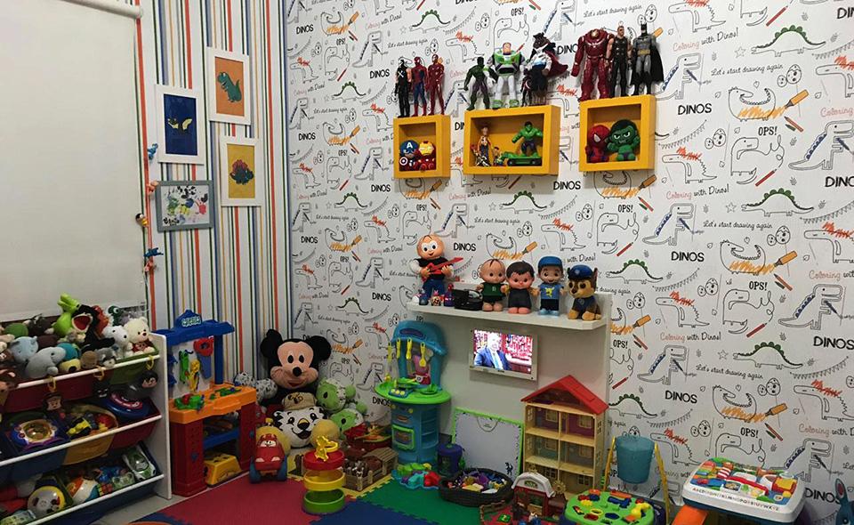 Como Organizar Quarto Infantil prateleiras na parede brinquedos guardados