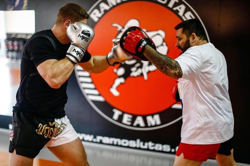 Luva de Boxe MKS Energy usada pelo campeão mundial de kickboxing Felipe Micheletti
