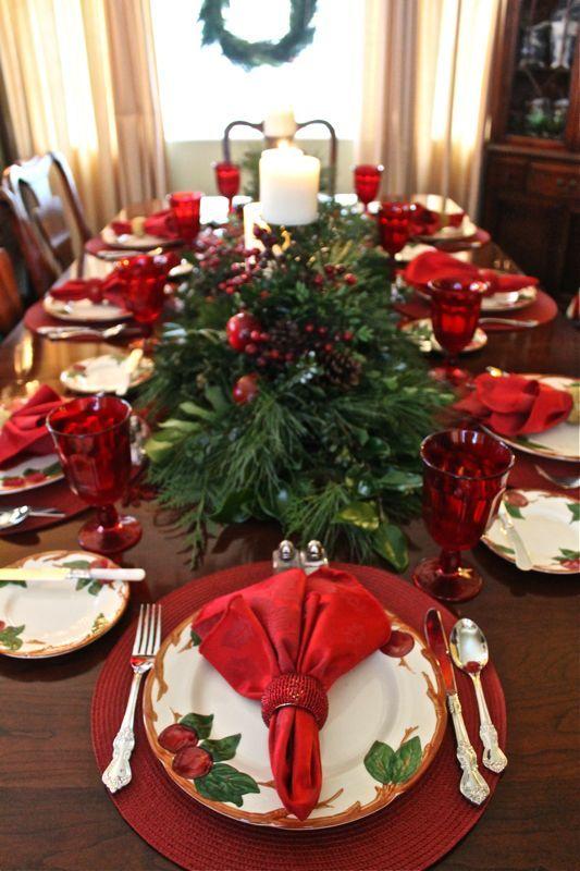 guardanapos vermelhos decoração de mesa natalina