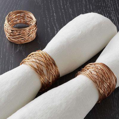 anel de guardanapo para decorar com toalha de mesa para almoço