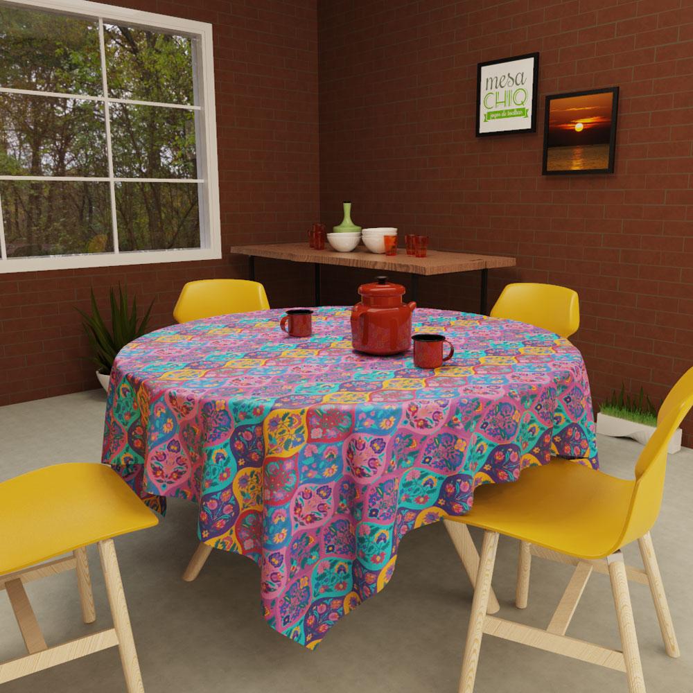 toalha de mesa redonda 4 lugares com arabescos