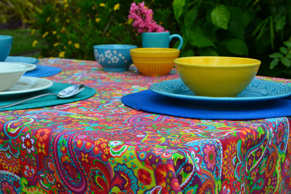 toalha de mesa pequena colorida com estampa indiana