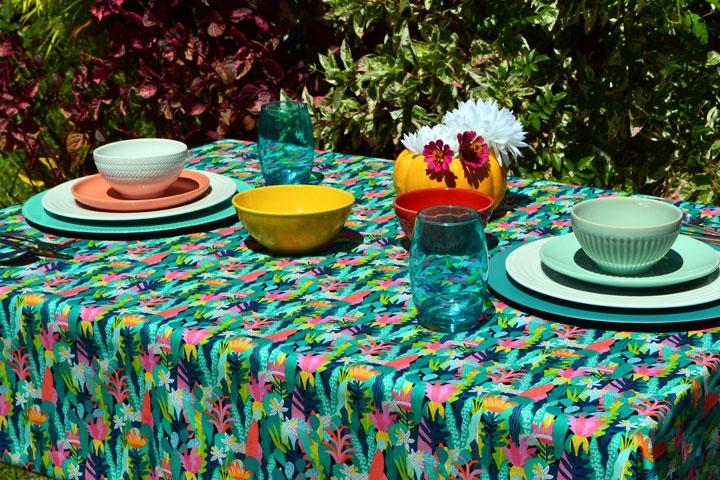 decoração com toalha de mesa pequena verde
