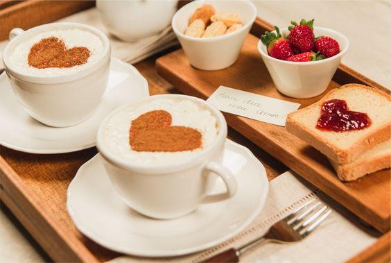 café da manhã especial dia dos pais com coração