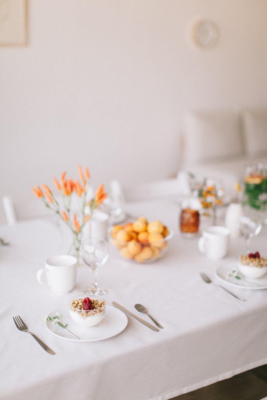 decoração de mesa de café da manhã em família