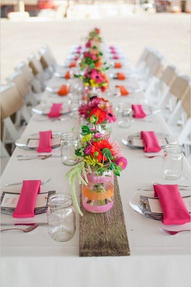 decorando com toalha de mesa branca oxford e guardanapos pink