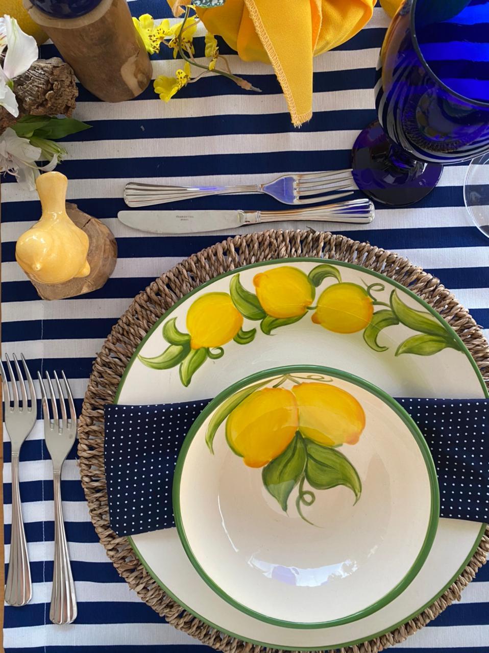 toalha de mesa retangular 4 lugares azul listrada