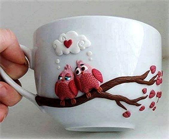 linda xícara trabalhada para decoração de mesa de café da manhã