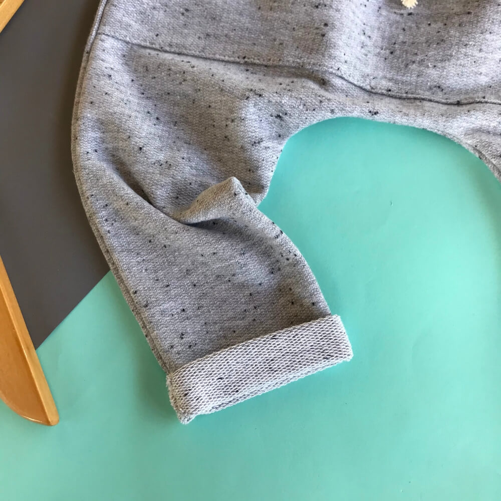 calça cinza para criança