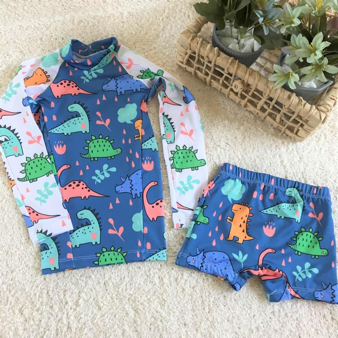 camiseta praia com proteção solar infantil