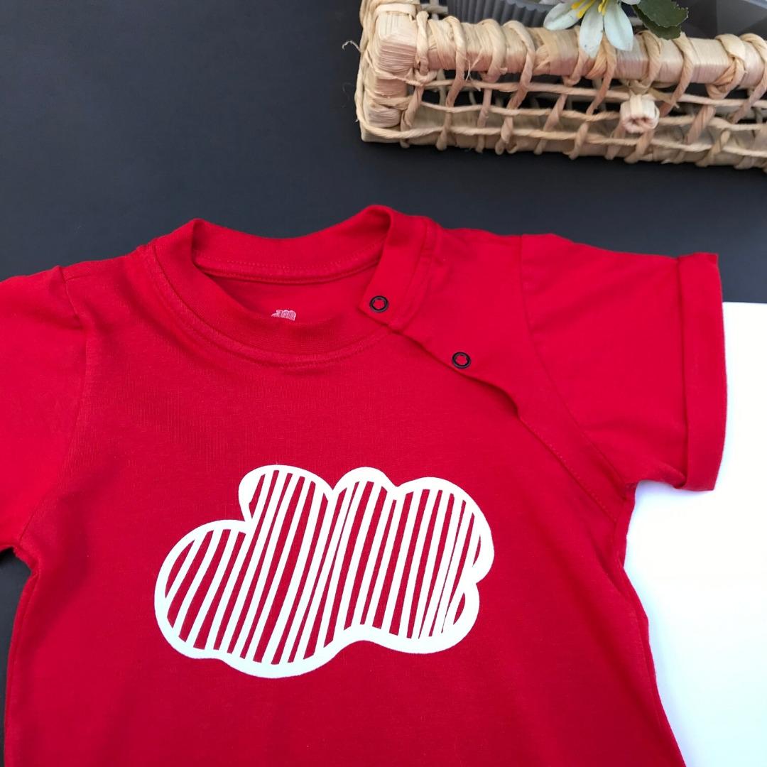 macacão vermelho para bebê