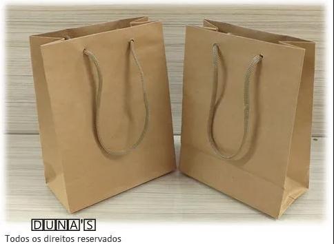 Sacolas plásticas e de papel