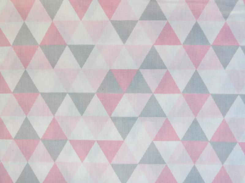 estampa triangulo rosa e cinza