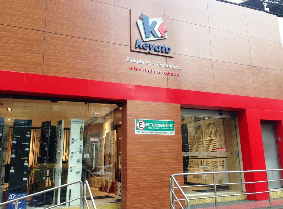 fachada da loja física da Keyato